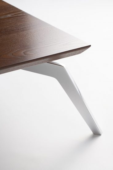 Carre table фото 5